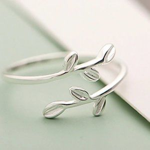NEW 925 Sterling Silver Leaf Adjustable Ring